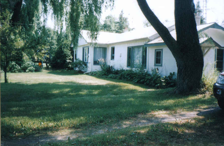 Cottage For Rent in Ontario - Picton - county road 18,
